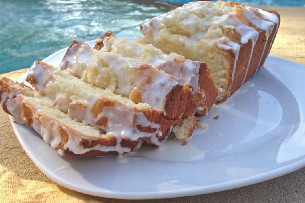 Moist Limoncello Cake With Limoncello Glaze