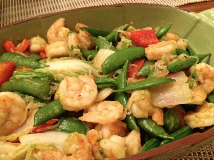 Shrimp with Bok Choy, Sriracha and Shirataki Noodles, a quick and easy stir fry dinner made with shrimp and vegetables in a light garlicky ginger sauce. ZagLeft