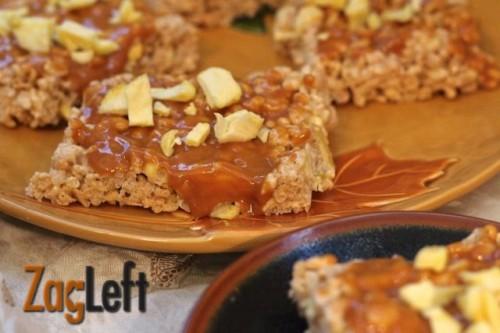 My family's favorite fall treat - Caramel Apple Rice Krispies Treats - Recipe from ZagLeft