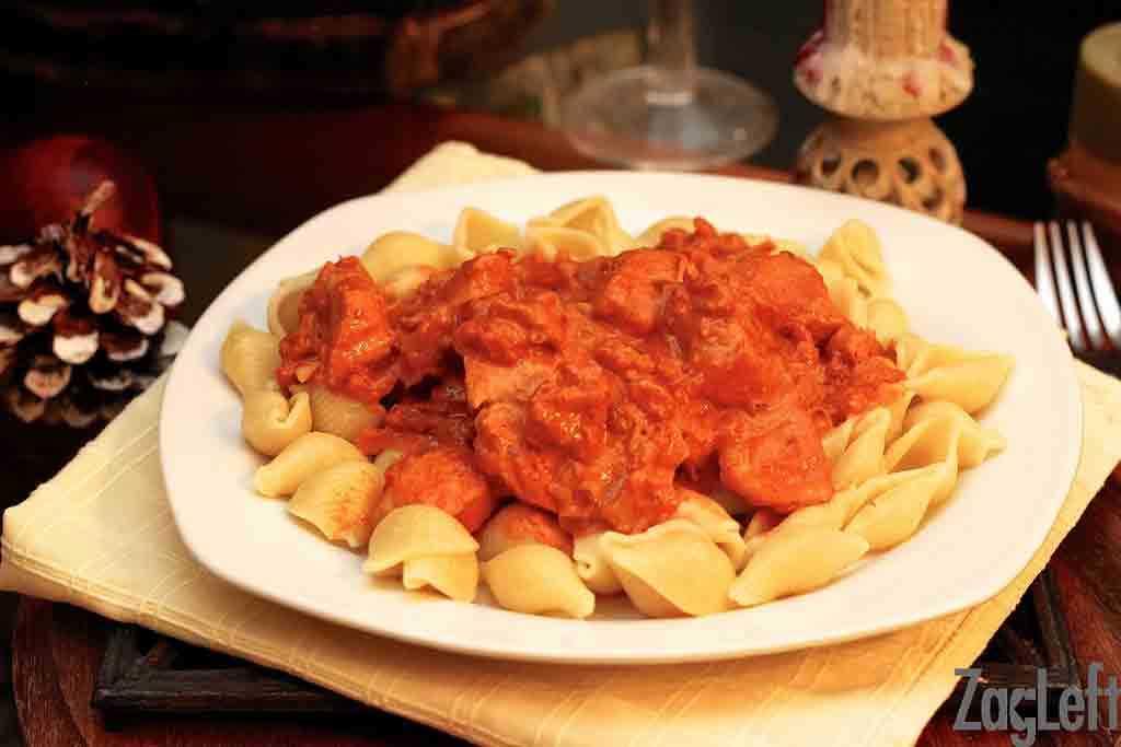 Chicken with Creamy Paprika Sauce | ZagLeft