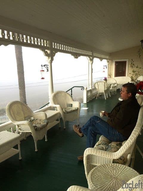 The Raford Inn - Coffee on the porch - Zagleft