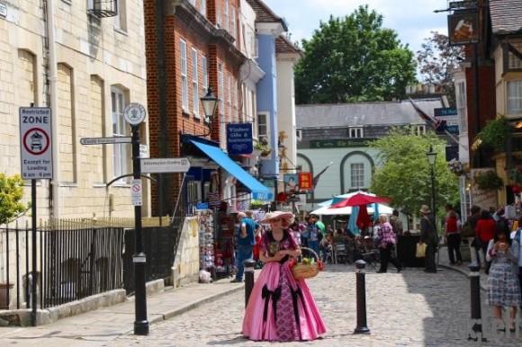 Windsor Castle - a city street - ZagLeft