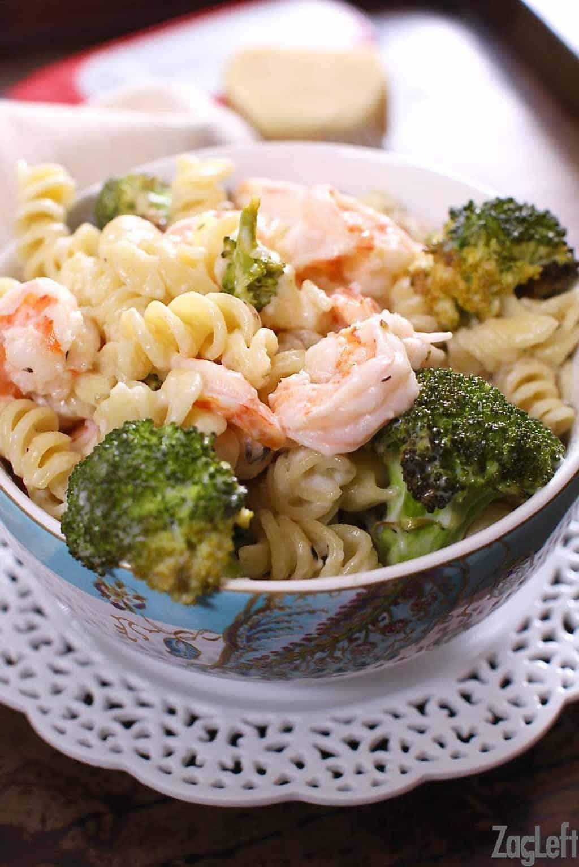 w-roasted-broccoli-garlic-pasta-zagleft-1
